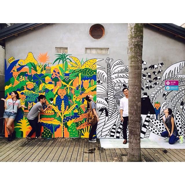 Banksy Street Art Tours Taiwan 雖然没有一位是藝術家本尊們。但這一片牆也是我們的寶貝。#powwowtaiwan #teamwork